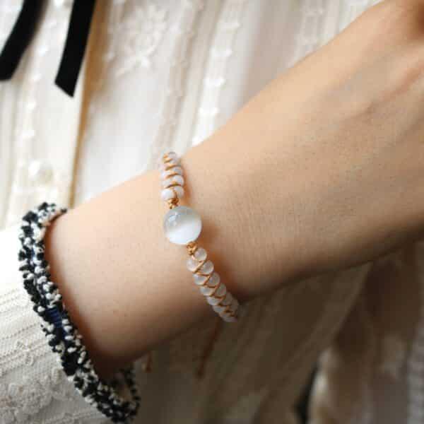 Bracelet Porte-Bonheur Tressé Opale Blanche Pierres
