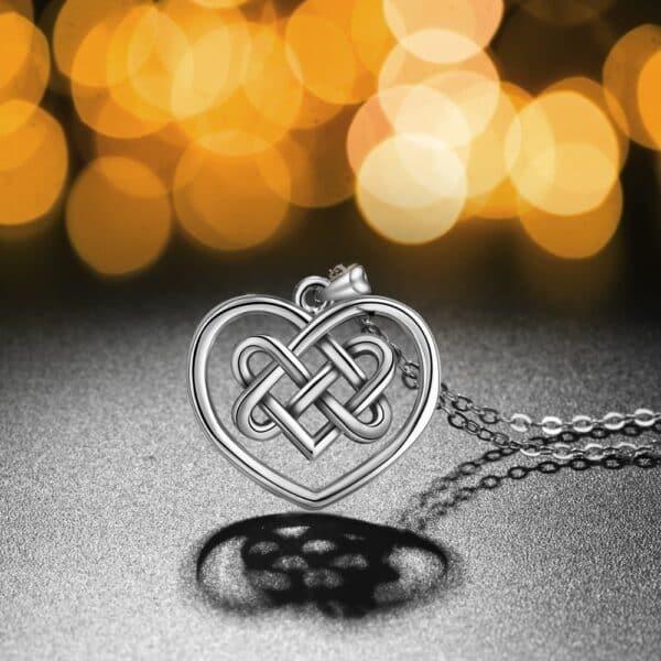 Collier Porte-Bonheur Celtique Amour Eternel